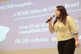 Camila Tavares apresenta pitch na Feira de Investimentos, em 2016.